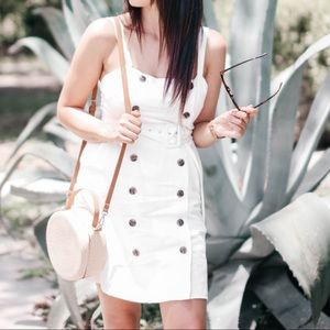 Med. F21 Women's White Mini with Tortoise Buttons